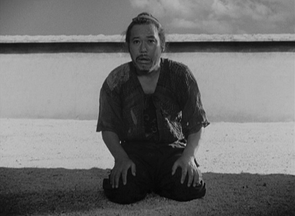 rashomon analysis essay One of the most-celebrated passages of akira kurosawa's rashomon is a sequence near the beginning of one of the main into the woods: a rashomon sequence analysis.